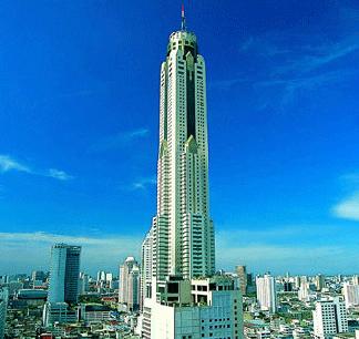 Buffet dinner at Sky restaurant on 75th floor of Baiyok Sky hotel